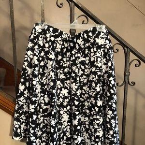 Torrid black and white flowered skirt